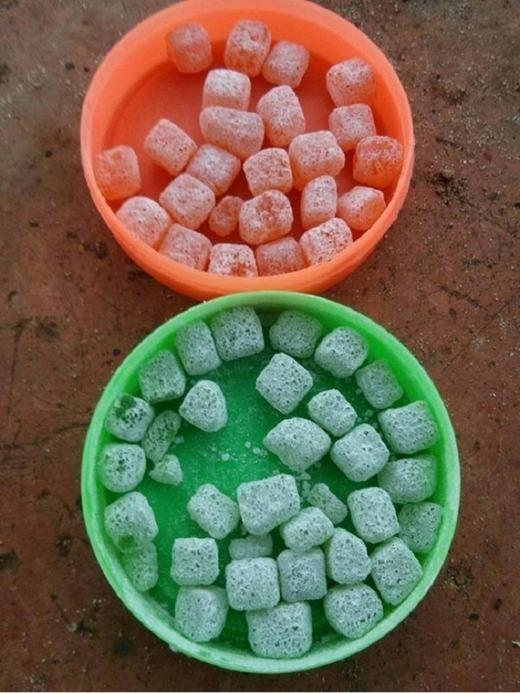 ...và cả kẹo dẻo trái cây là những món ăn vặt không thể thiếu. (Ảnh: Internet)