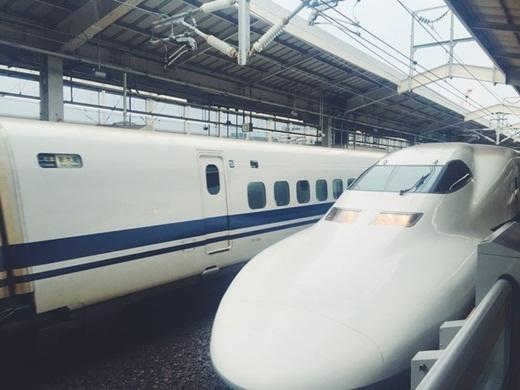 Tốc độ những chiếc tàu lửa của Nhật Bản khiến bạn nghĩ rằng đây là tàu không gian. (Ảnh: Internet)
