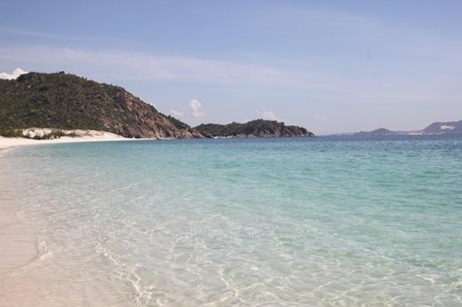 Mặt biển luôn rất êm như mặt hồ.(Nguồn: Internet)