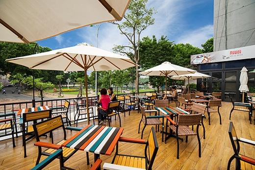 """My Way Café & Beer 54 Nguyễn Du với tầm nhìn rộng mở ra hồ Thiền Quang là điểm dừng chân thứ 2 của """"Chef Tour với Bếp trưởng Jurgen Kauz"""""""