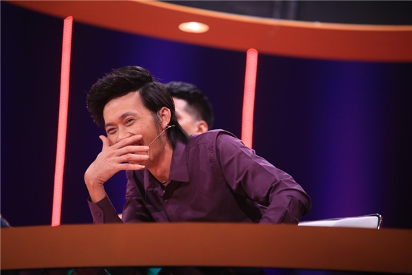 Danh hài Hoài Linh là gương mặt đầu tiên ngồi ghế nóng được ban tổ chức công bố. - Tin sao Viet - Tin tuc sao Viet - Scandal sao Viet - Tin tuc cua Sao - Tin cua Sao