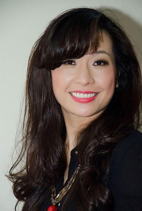 Nữ ca sĩThùy Dung được biết đến với hình ảnh dịu dàng, nữ tính. - Tin sao Viet - Tin tuc sao Viet - Scandal sao Viet - Tin tuc cua Sao - Tin cua Sao