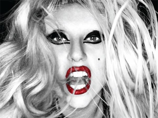 Một trong những nhân viên cũ của Lady Gaga đã kiện nữ ca sĩ 400.000 USD (tương đương 8,4 tỉ đồng) vì đã không thanh toán tiền lương cho người này.