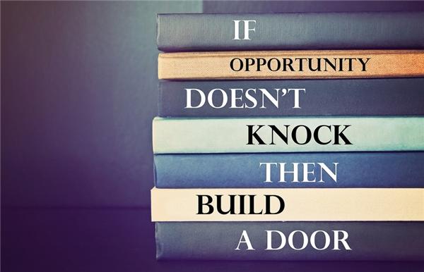 Đọc sách để lĩnh hội tri thức và tự mở ra cho mình những cơ hội. (Ảnh: Internet)