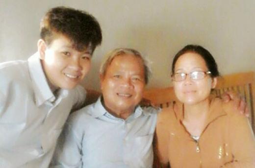 Từ năm lớp 11, khi được mẹ chấp nhận, Phong tự tin sống là mình hơn. Ảnh: NVCC.