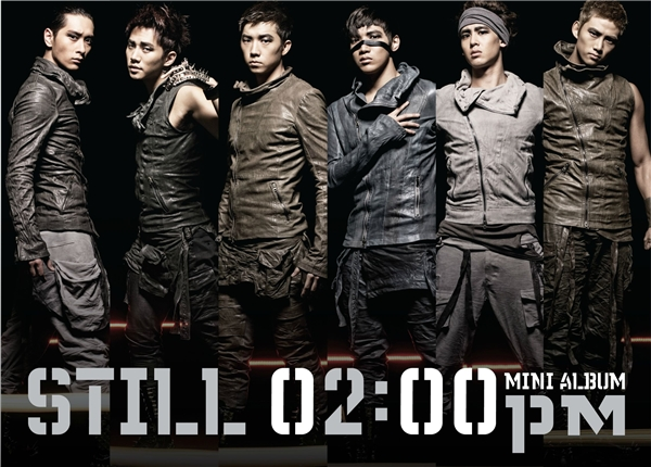 Cả cách trang điểm lẫn thời trang của 2PM trong thời kì quảng bá ca khúc I'll Be Back đều trông như những chàng lính trở về từ chiến trận.