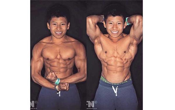 Thân hình cơ bắp 6 múi giúp Choon Tan tự tin hơn bao giờ hết.