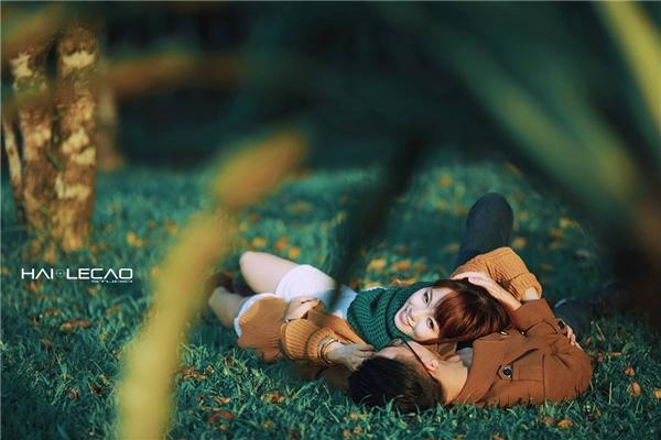 """""""Ngất lịm"""" với bộ ảnh cưới """"nắng vàng cỏ xanh"""" của cặp đôi Hà thành"""