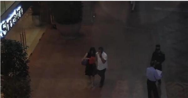 Cặp đôi xuất hiện tại điểm hẹn. (Ảnh Internet)
