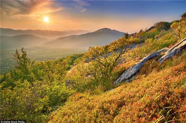 Chinh phục dãy núi Bieszczady vào mùa thu là một trong những trải nghiệm hấp dẫn nhất tại Ba Lan.