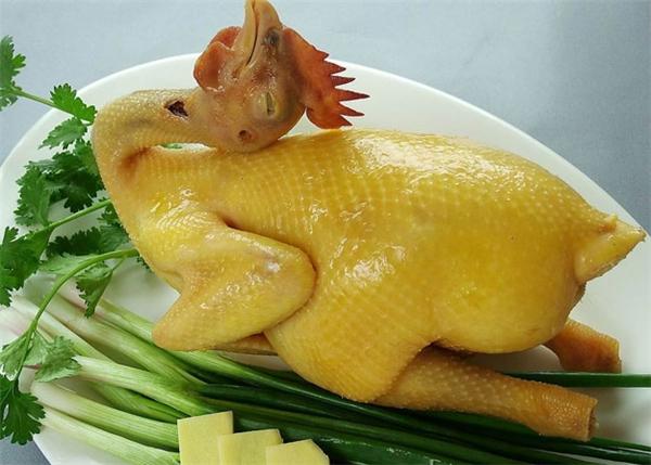 Các loại thịt sử dụng chất này có màu vàng bắt mắt trên thực tế không làm tăng chất dinh dưỡng ở thịt