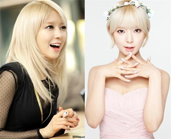 Để phù hợp với ca khúc chủ đề Short Hair, Choa (AOA) quyết định cắt phăng mái tóc dài của mình. Quả đầu nhuộm vàng giúp nữ thần tượng nổi bần bật mỗi khi xuất hiện và luôn thu hút sự chú ý của fan.