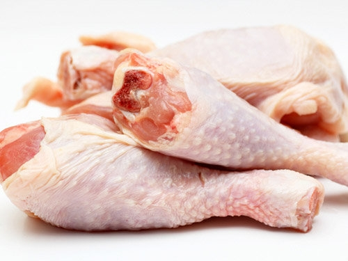 Thịt gà là loại thực phẩm nên được nấu chín kỹ để đảm bảo sức khỏe gia đình