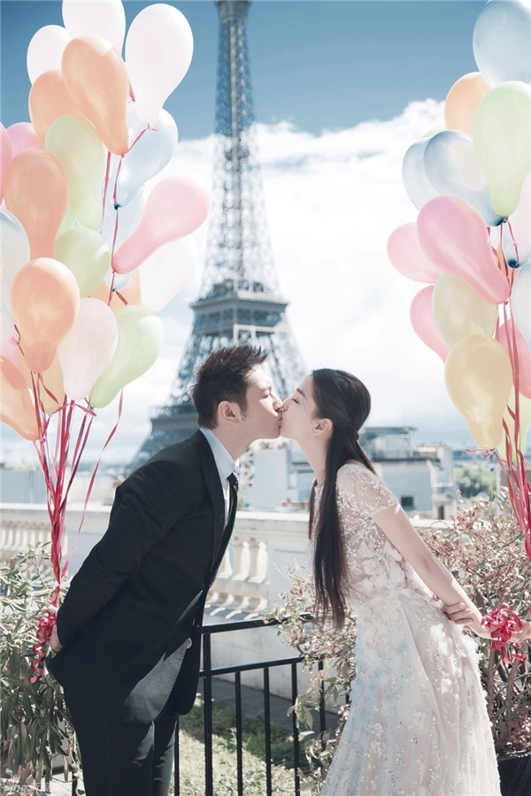 Huỳnh Hiểu Minh và AngelaBaby tung ảnh cưới lung linh trước