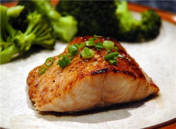 Cá hồi tốt cho việc giảm cân.