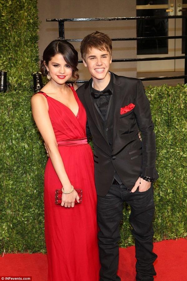 Việc sống cùngvới Selena làmột điều không thể tưởng tượng với Justinvào độ tuổi ấy.