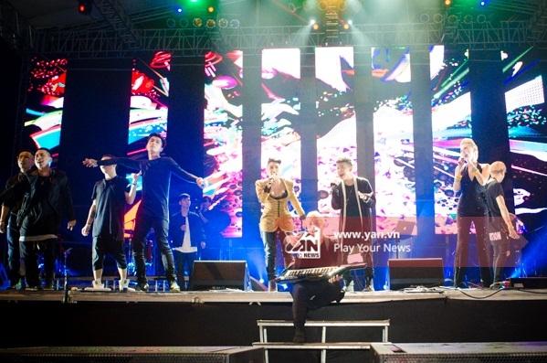 "Hàng loạt nghệ sĩ đua nhau ""quẩy tung"" sân khấu Monsoon Music Festival 2015 - Tin sao Viet - Tin tuc sao Viet - Scandal sao Viet - Tin tuc cua Sao - Tin cua Sao"