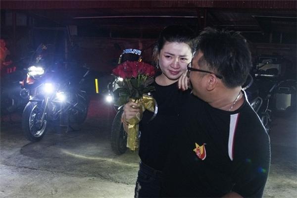 Anh chàng Hoà Huy đã có màn cầu hôn bất ngờ với bạn gái khiến nhiều người vô cùng ngưỡng mộ và ghen tị.(Nguồn: Internet)