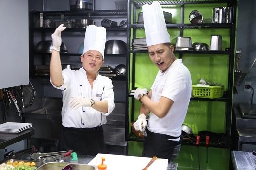 Nam ca sĩ vừa nấu ăn vừa hát cùng siêu đầu bếp Jack Lee - Tin sao Viet - Tin tuc sao Viet - Scandal sao Viet - Tin tuc cua Sao - Tin cua Sao