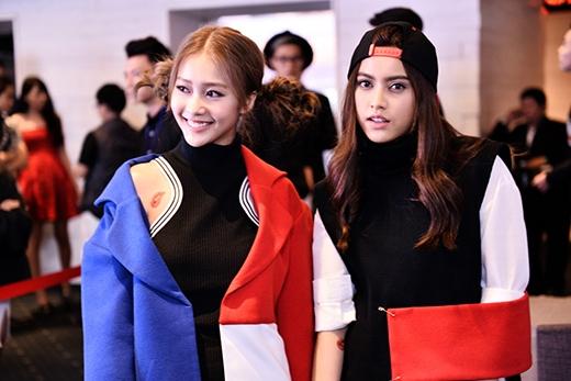 Khả Ngân diện đồ đôi cùng Chanya tại VietNam Fashion Week 2015 - Tin sao Viet - Tin tuc sao Viet - Scandal sao Viet - Tin tuc cua Sao - Tin cua Sao