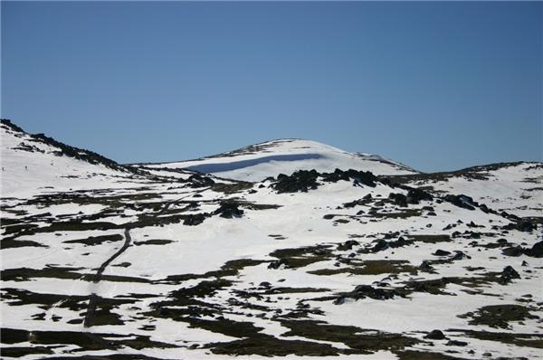 Với độ cao 2.228m trên mực nước biển, nó là ngọn núi cao nhất nước Úc nếu chưa tính phần lãnh thổ bên ngoài. (Nguồn: Internet)