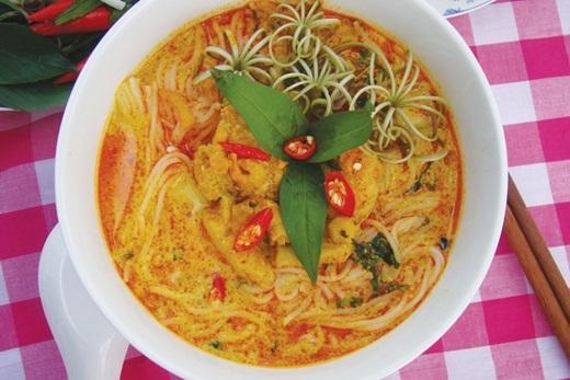 Bấy nhiêu đây món vẫn chưa nói lên hết được tinh túy vàcái hồn của ẩm thực xứ An Giang nếu như bạn chưa thử qua món bún nước kèn Châu Đốc. (Nguồn: Internet)