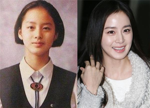 Có lẽ thời điểm chụp bức ảnh này, Kim Tae Hee vẫn còn đang ở lứa tuổi dậy thì.Tuy nhiên, đường nét sẵn có trên gương mặt của cô vẫn vô cùng sắc sảo.