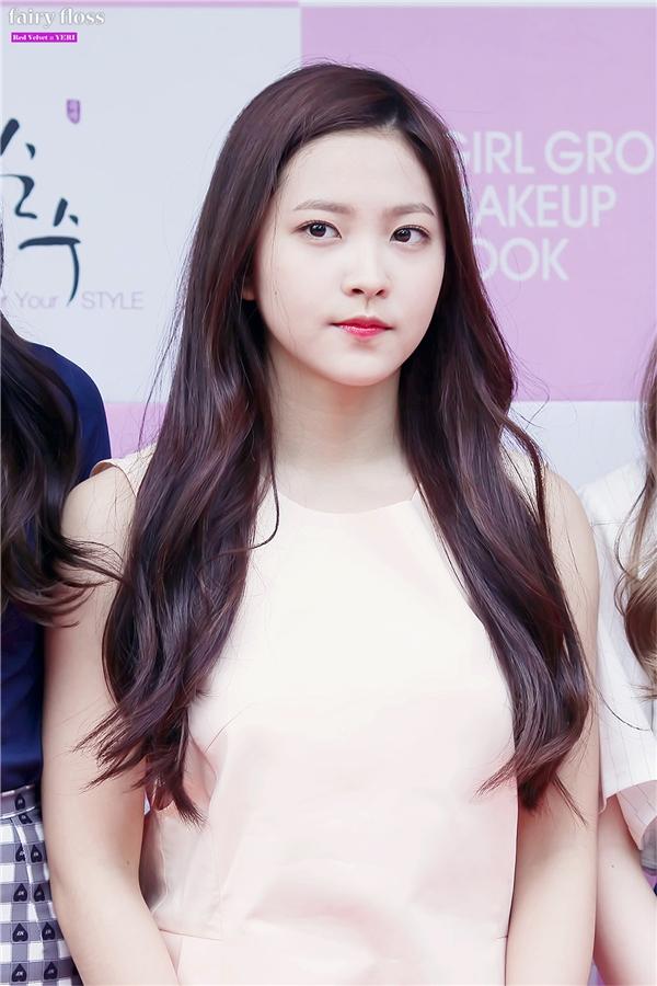Yeri (Red Velvet) nhận khá nhiều chỉ trích vì không đáng yêu để trở thành em út của nhóm.