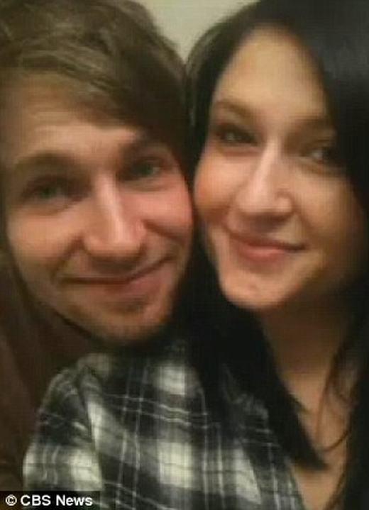 Hayden và vợ. (Ảnh: CBS News)