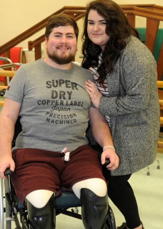 Jacob Gray đã cùng với bạn gái trải qua những ngày tháng vô cùng khó khăn. (Ảnh:Internet)