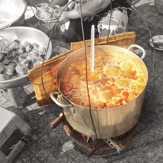 Và những món ăn nóng hổi, ngon lành luôn sẵn sàng tiếp đón khách quý.(Nguồn IG @mrcuong85)