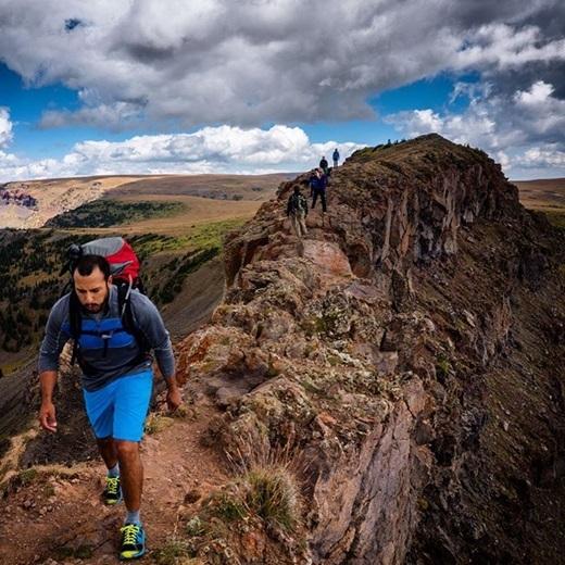 Đoạn đường hiểm trở ở khu hoang dã Colorado càng khiến các phượt thủ thêm hứng thú vàđộng lực để chinh phục.(Nguồn Internet)