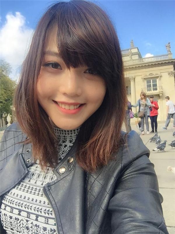 Hồng Linh luôn gây ấn tượng bởi nụ cười toả nắng cực thu hút. (Ảnh: Internet)