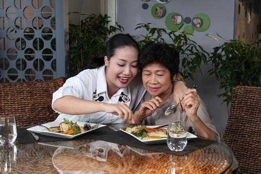 Khoảnh khắc đáng nhớ của mẹ con nàng Ốc trong Món ăn của ngôi sao. - Tin sao Viet - Tin tuc sao Viet - Scandal sao Viet - Tin tuc cua Sao - Tin cua Sao
