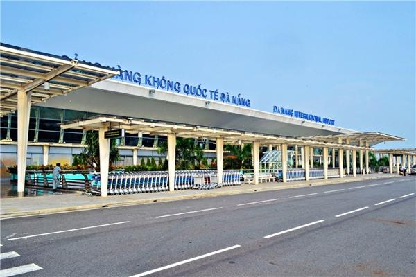 Cùng với Nội Bài, sân bay Đà Nẵng được xếp thứ 23 trong 30 sân bay tốt nhất châu Á. Năm trước, sân bay này lọt vào nhóm tốt nhất.