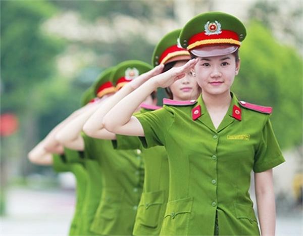 Những nữ cảnh sát xinh đẹp sẵn sàng cống hiến cho sự an toàn của dân chúng. (Nguồn: Internet)