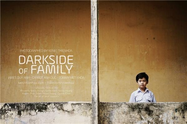 Bộ ảnh Góc khuất trong gia đìnhdo nhiếp ảnh gia trẻ Lương Thiện Hòa thực hiện.