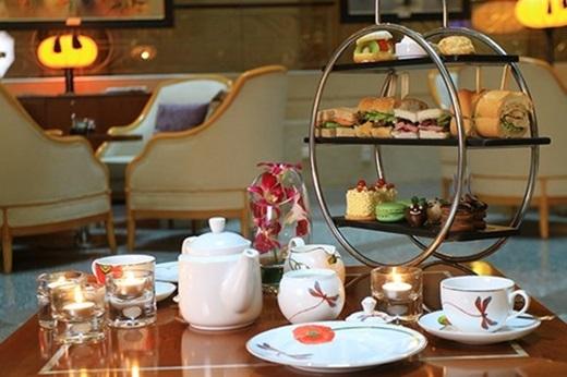 Với giá 300.000 đồng/người, tiệc trà ở Sheraton xứng đáng với số tiền bạn phải bỏ ra: 6 loại trà ngon để lựa chọn, 9 món bánh ngọt chất lượng đạt chuẩn khách sạn5 sao.(Nguồn: Internet)