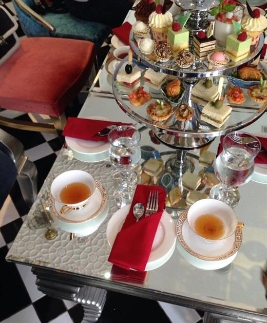Ở Tajmasago Buffet & Café, bạn được phép dùng trà và cà phê thoải mái, còn chất lượng của các loại bánh ngọt thì khỏi phải lăn tăn vì chiếc nào cũng thơm ngon và không quá ngọt.(Nguồn: Internet)