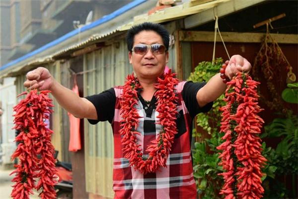 Bữa ăn của ông Li không bao giờ thiếu món ớt.