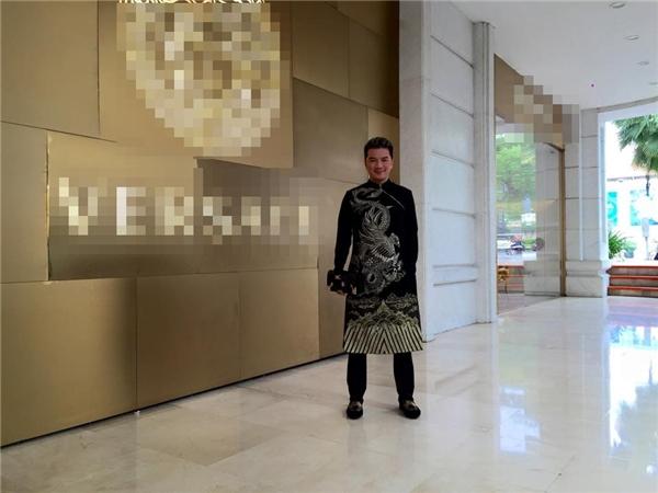 Mr. Đàm hào hứng diện áo dài tự chế từ… váy  - Tin sao Viet - Tin tuc sao Viet - Scandal sao Viet - Tin tuc cua Sao - Tin cua Sao