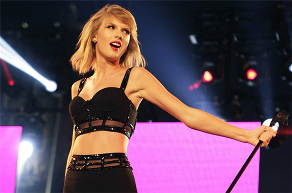 Thực hư việc Taylor Swift kiếm 21 tỉ đồng mỗi ngày?