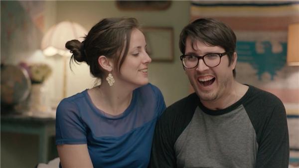 Nụ cười hạnh phúc của Larissa 3 năm sau khi kết hôn – ngày mà Ian đã dần hồi phục và có thể nói được rõ ràng hơn.(Ảnh: Internet)