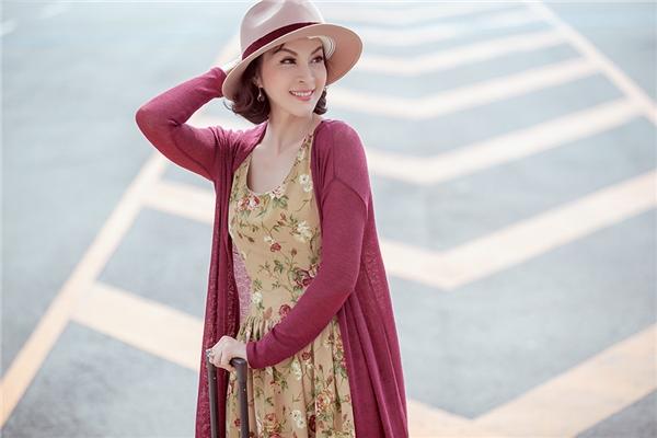 Lần quay trở lại này, Thanh Mai khiến công chúng ngỡ ngàng từ sắc vóc cho đến gu thời trang nền nã, quý phái. - Tin sao Viet - Tin tuc sao Viet - Scandal sao Viet - Tin tuc cua Sao - Tin cua Sao