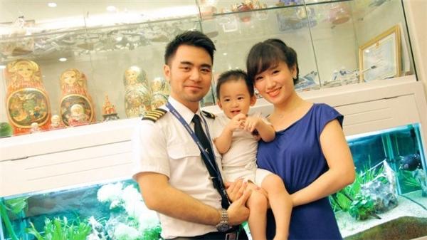 Trang Nhungxinh đẹp mặn mà bên chồng con.(Ảnh: Internet)