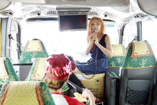 Trang Pháp có hành động lạ lẫm cùng trai Hàn trên ô tô - Tin sao Viet - Tin tuc sao Viet - Scandal sao Viet - Tin tuc cua Sao - Tin cua Sao