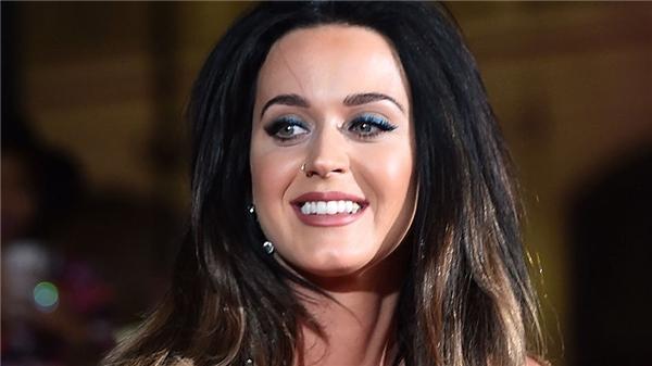 Trước khi trở thành một ngôi sao nhạc pop như hiện nay, Katy Peryđã sử dụng tên thật Katy Hudson và hát lót cho P.O.D. Thậm chí cô còn xuất hiện trong cả album Goodbye for Now của nhóm nhạc này vào năm 2006.
