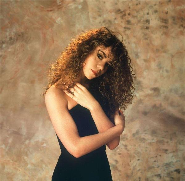 Dù hiện nay, Mariah Carey được nhắc đến như một diva nhạc pop nhưngcô từng có quá khứ là ca sĩ hát lót và làmvũ công cho ca sĩ Brenda Starr vào cuối những năm 80.