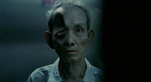 The Eye cũng đã được Hollywood làm lại vào năm 2008 với diễn xuất của ngôi sao màn bạc Jessica Alba.