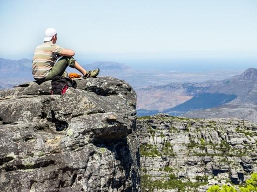 Thành phố Cape Town xếp vị trí thứ 6 trong bảng xếp hạngnhững thành phố tốt nhất thế giới theo tạp chí Condé Nast Traveler. Với ngọn núi Table hùng vĩ, những khu nghỉ dưỡng hạng sang, vườn nho Franschhoek và chuyến thám hiểm thiên nhiên châu Phi tại vườn quốc gia Kruger, không có lí do gì Nam Phi lại không nằm trong danh sách những quốc gia đáng ghé thăm nhất cả.(Ảnh: Business Insider)